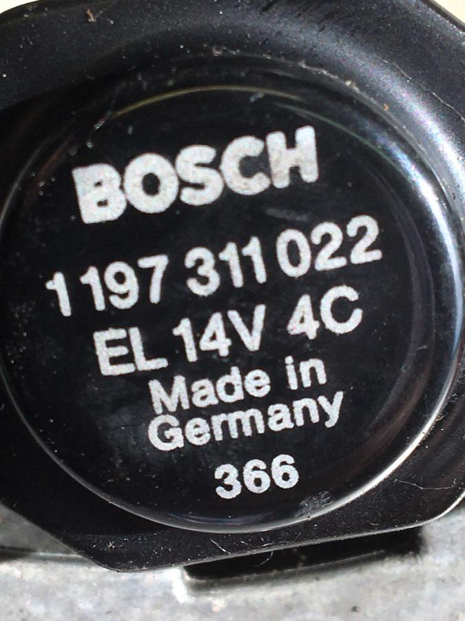 Alternatore Mercedes W124 Bosch 14V 28/70A	 - 0120489325/326