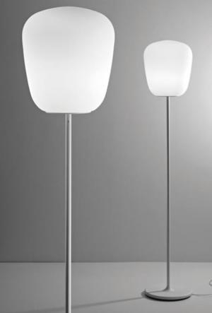 Lampada da Terra Lumi Baka di Fabbian con Struttura in Metallo o Poliestere e Diffusore in Vetro Soffiato Bianco Satinato - Offerta di Mondo Luce 24
