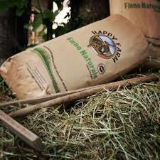 Happy Farm Fieno Naturale • 8 x 1 kg (Spedizione Express)