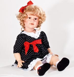 """Bambola da Collezione Vinile """"Lea di Sissel B. Skille"""" con Vestitino in PIzzo a Pois, edizione limitata 500 pezzi Gotz Made in Germany"""