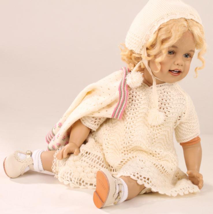 """Bambola da Collezione Vinile """"Febja di Sissel B. Skille"""" con Completino Lavorato a Maglia, edizione limitata 300 pezzi Gotz Made in Germany"""