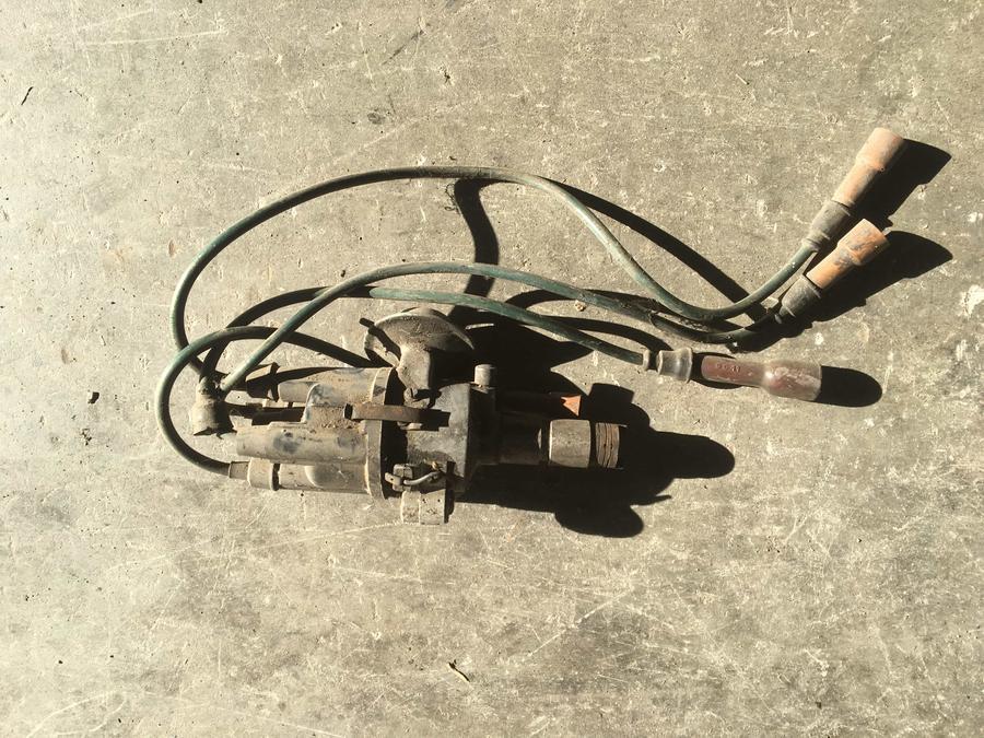 Spinterogeno 4 cilindri Bosch/ Distributore accensione Mercedes W115  - 0231115064