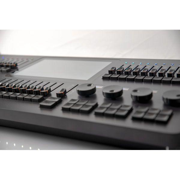 SHOWTEC LAMPY 40 Console DMX 1 o 2 Universi (disponibilie da Novembre 2020)