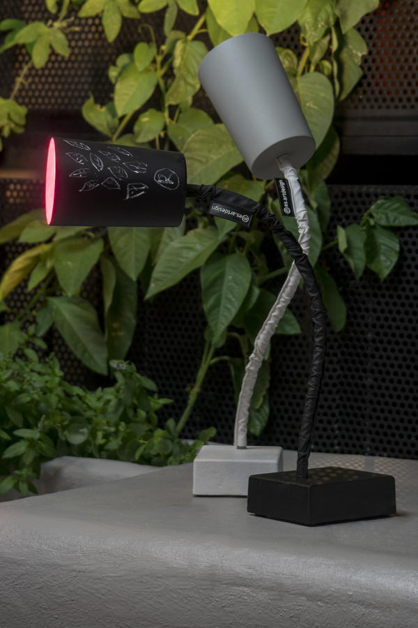 Lampada da Tavolo Paint T2 Cemento Collezione Matt di In-es.artdesign, Varie Finiture - Offerta di Mondo Luce 24