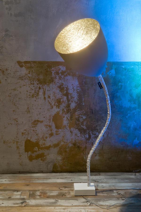 Lampada da Terra Flower Cemento Collezione Matt di In-es.artdesign, Varie Finiture - Offerta di Mondo Luce 24