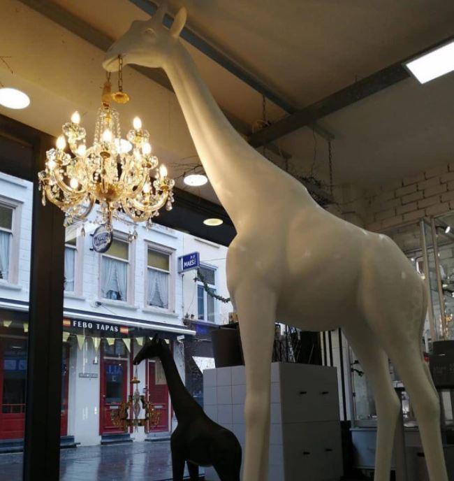 Nuova Lampada da Terra Giraffe In Love Indoor M di Qeeboo in Polietilene, Varie Finiture - Offerta di Mondo Luce 24
