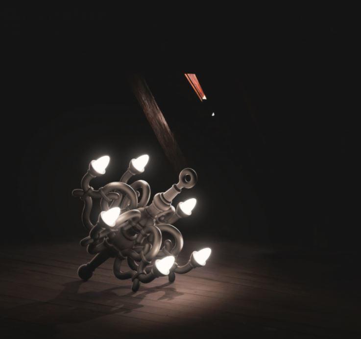 Lampada da Esterno Fallen Chandelier XL di Qeeboo in Fibra di Vetro, Varie Finiture - Offerta di Mondo Luce 24