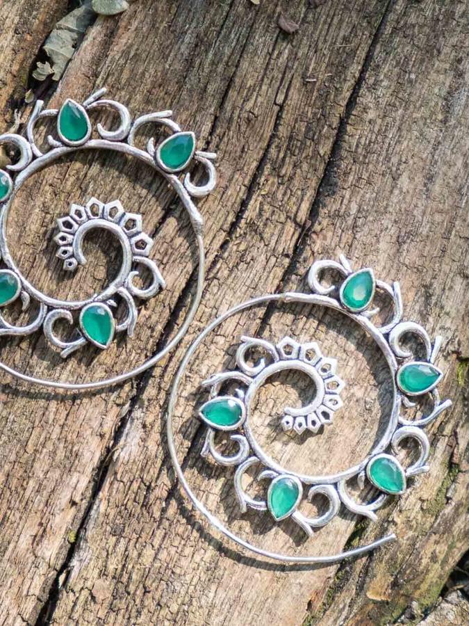 Orecchini argento a spirale con petali in Giada verde