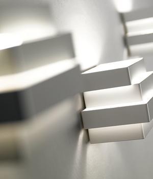 Lampada da Parete Escape Cube di Karboxx in Alluminio Verniciato Bianco  - Offerta di Mondo Luce 24