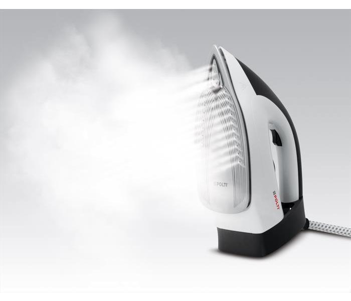 Polti Vaporella Simply VS20.20 Ferro da Stiro Generatore di Vapore con Serbatoio Estraibile da 1,5 l, Max Pump 6,5 bar, Steam Boost 210 g/min, Funzione Eco, Riscaldamento 2 Minuti, Bianco/Nero