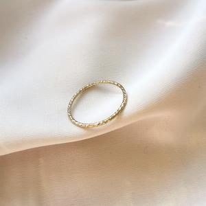 Anello diamantato in gold-filled