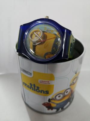 Minions Cattivissimo Me  orologio analogico in scatola giallo