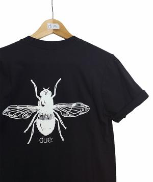 T-shirt nera zitto e mosca- Due: