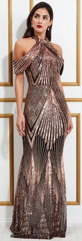 0645 LONG DRESS IN GOLD SEQUINS LINED AND WINGS IN HALF ARM