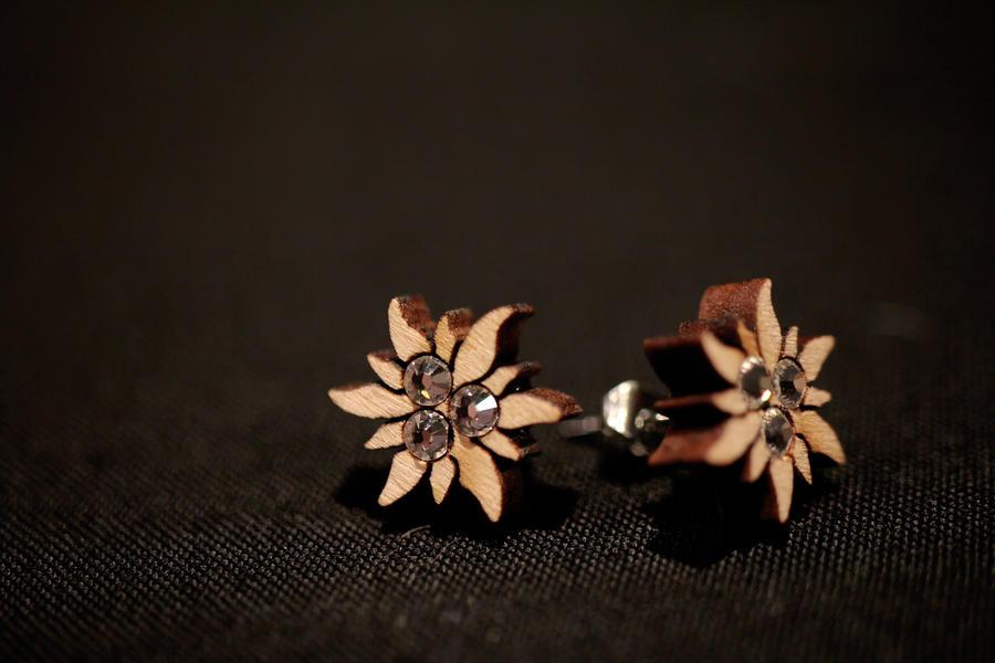 Orecchini stella alpina a perno