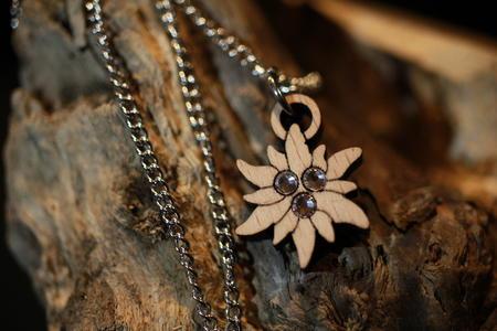 Ciondolo stella alpina
