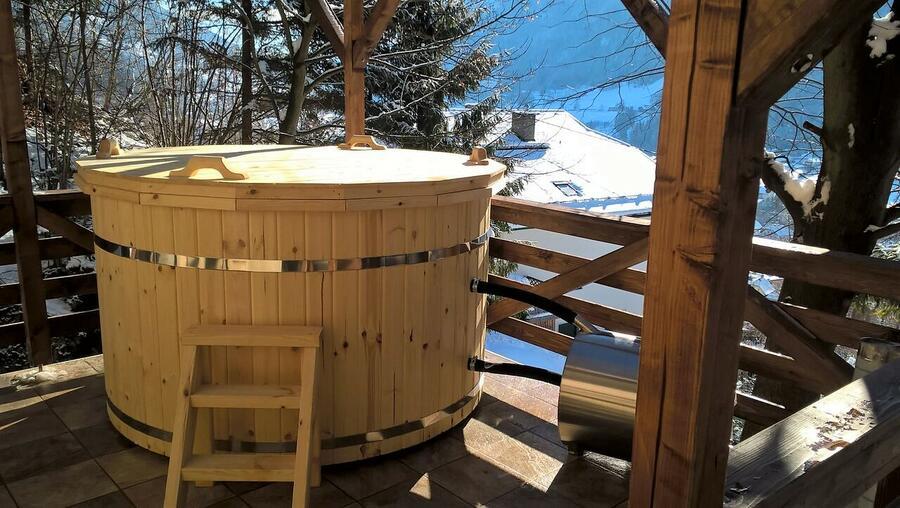Glamping Hot Tub in legno di pino nordico Mod. Moa Ø 1,9 m- 46mm - Riscaldatore esterno Incluso