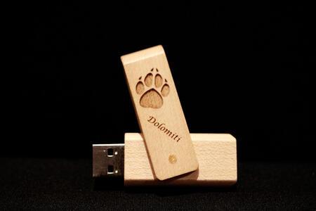 Chiavetta USB orma lupo