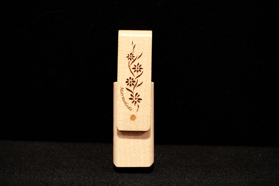 Chiavetta USB fiori