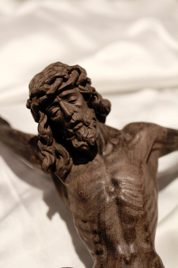 Cristo ebano