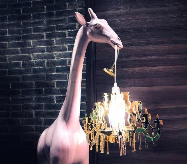 Lampada da Tavolo e da Terra Giraffe In Love XS di Qeeboo in Polietilene, Varie Finiture - Offerta di Mondo Luce 24