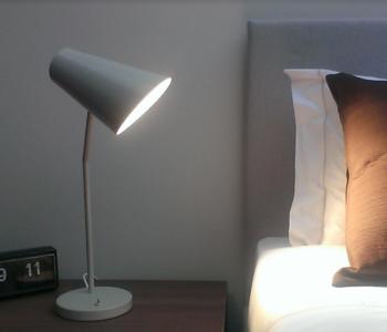 Lume Studio Table di Luceconcept in Alluminio e Acciaio, Varie Finiture  - Offerta di Mondo Luce 24