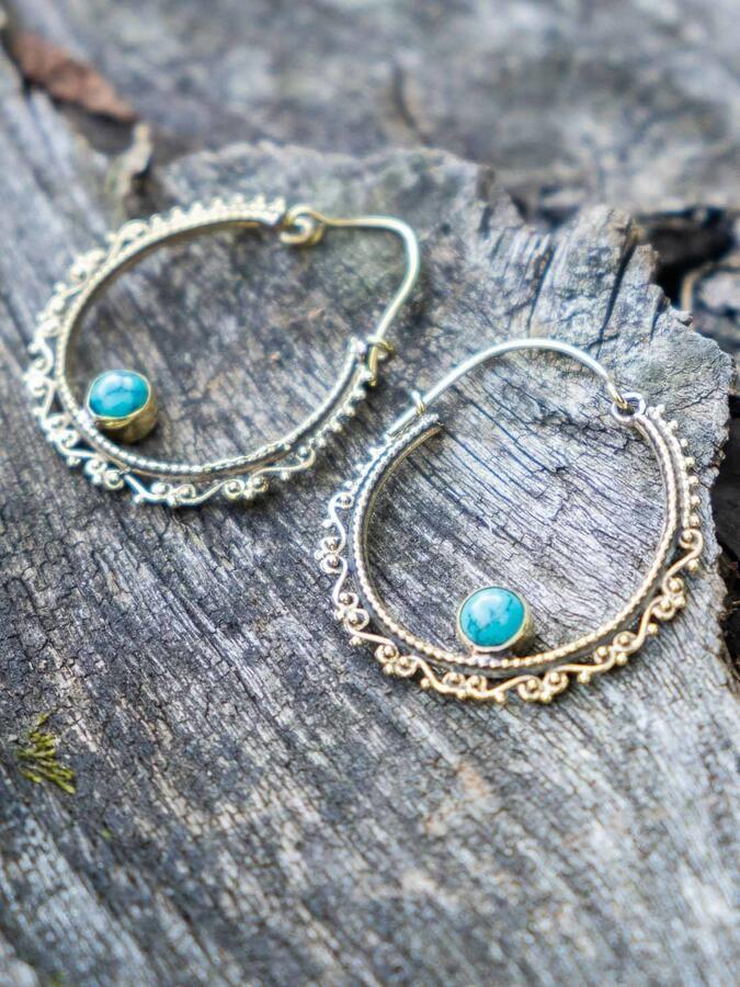 Pendientes de anillo en latón con patrón étnico y piedra Turquesa