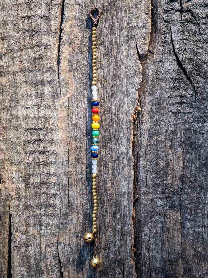 Braccialetto arcobaleno con chiusura a cappio con campanellini