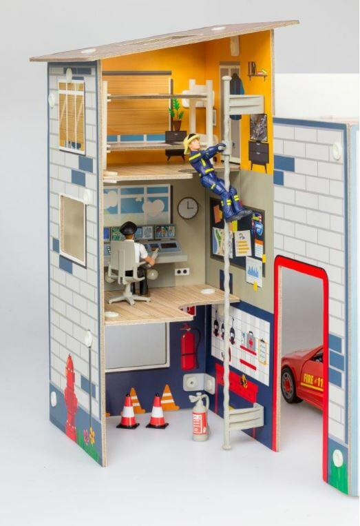 JUNIOR KIT Playset Fire Station di Revell