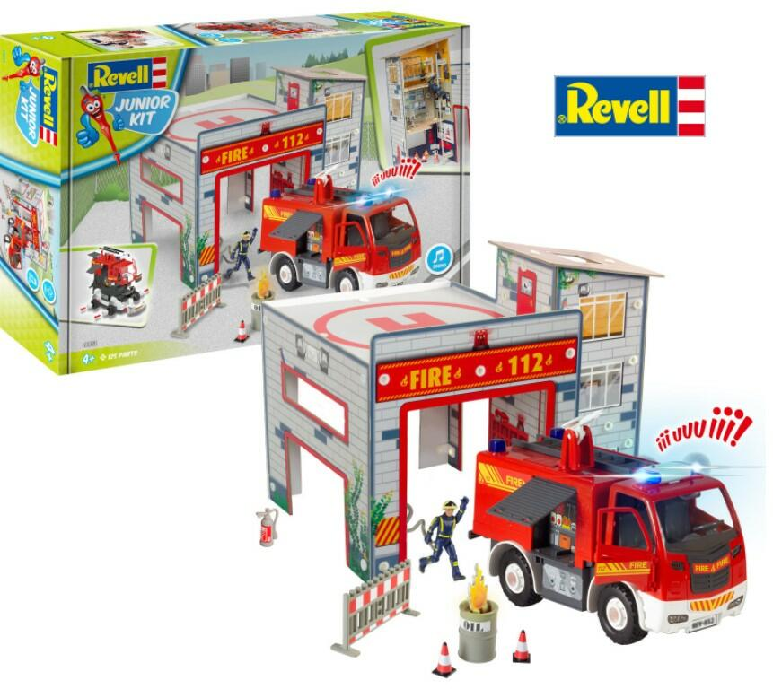 JUNIOR KIT Playset Fire Truck & Fire Station di Revell