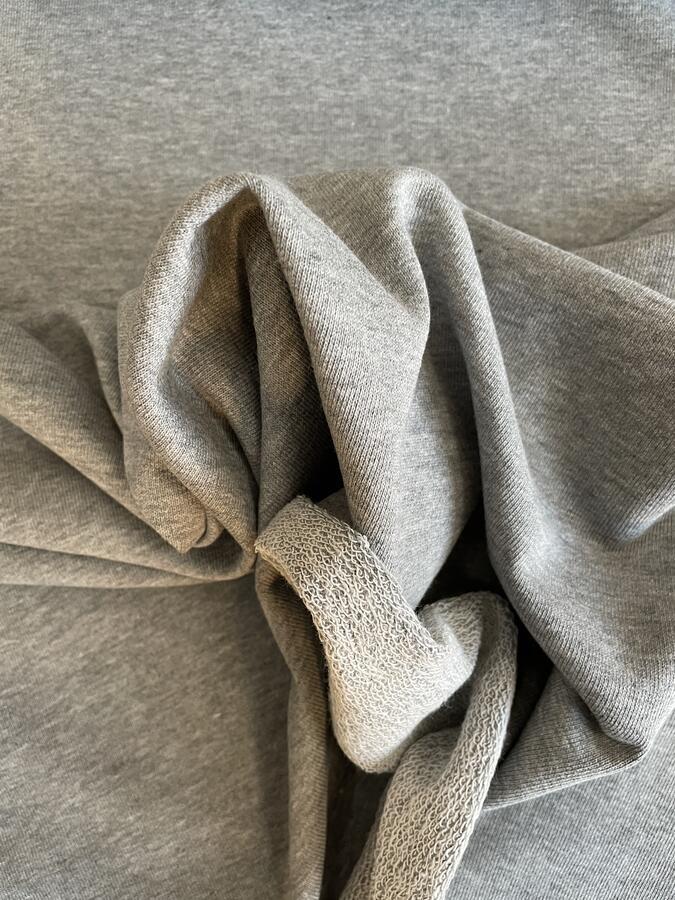 Tessuto felpa non garzato di cotone grigio melange