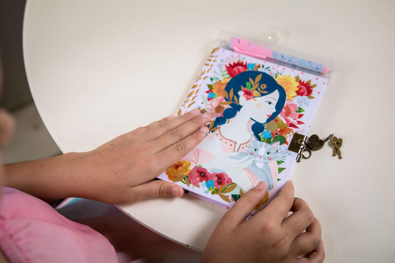 Diario segreto con penna magica Oana