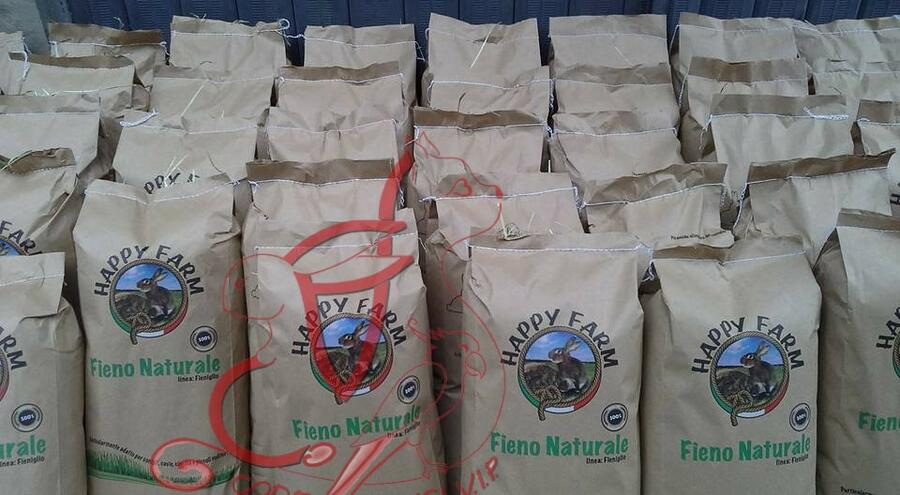 Happy Farm Fieno Naturale • 12 x 1 kg -  spedizione express