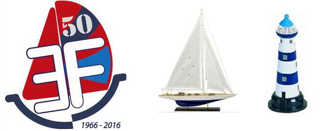 Lampada a Forma di Faro Marino con Scaletta  Alto Cm 30 di Artesania Esteban - Offerta di Mondo Nautica 24