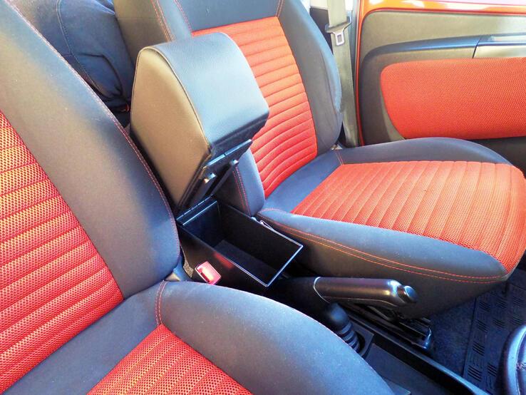 Adjustable armrest with storage for Fiat Qubo