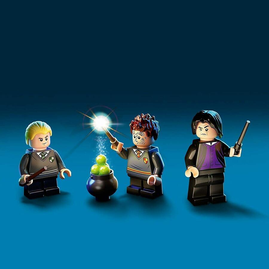 Lezione di Pozioni a Hogwarts - Lego Harry Potter 76383 - 8+ anni