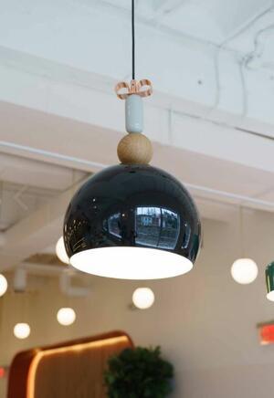 Lampada a Sospensione Bon Ton Ø 35 cm in Alluminio Verniciato e Legno Rovere de Il Fanale, Varie Finiture - Offerta di Mondo Luce 24