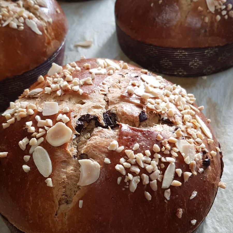 Focaccia con farina di farro senza zucchero con cioccolato