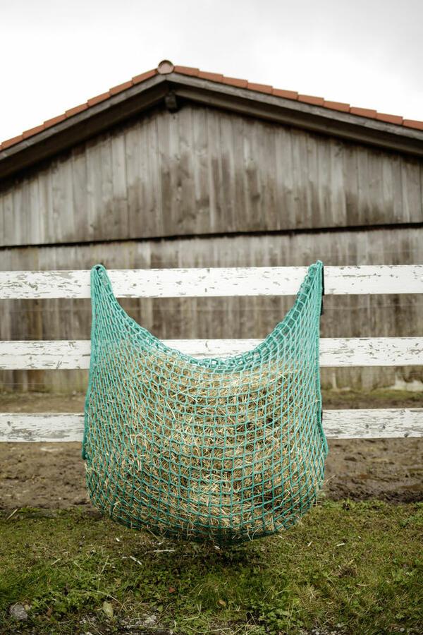 Rete per fieno FlexiStrong verde 90cm x 90cm maglia 4,5 x 4,5cm capacità 10 kg