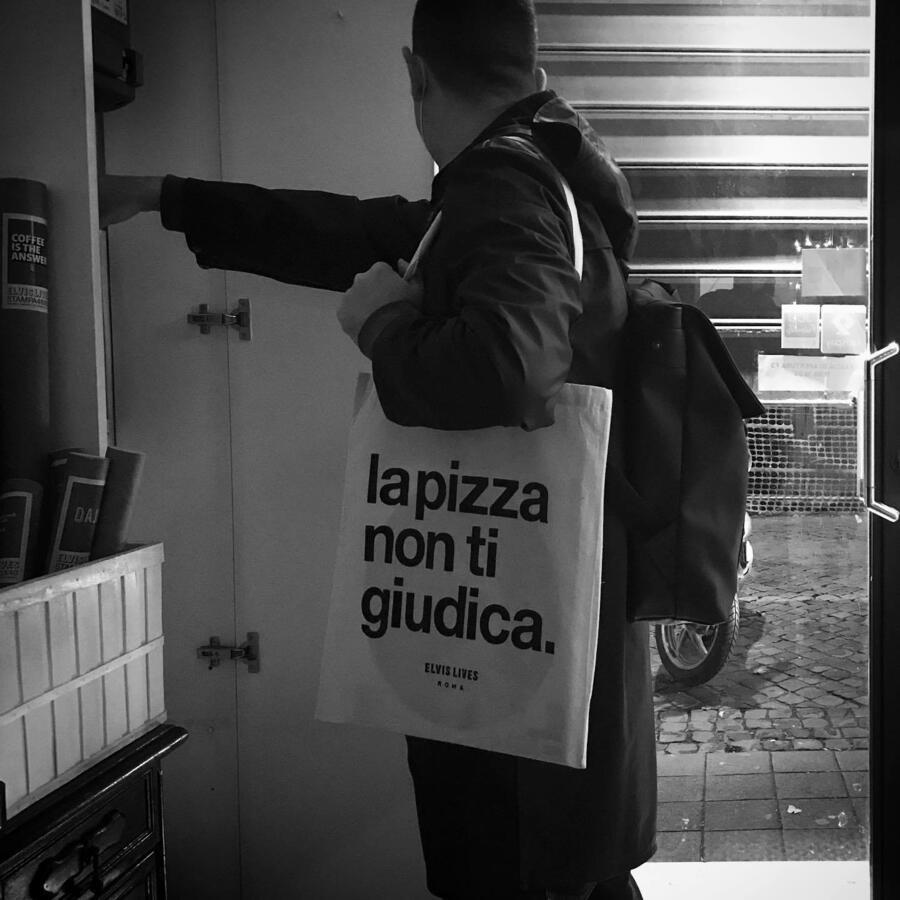 Elvis Lives Shopper Pizza