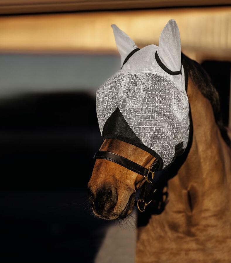 Maschera antimosche taglia PONY con protezione per orecchie colore grigio chiaro