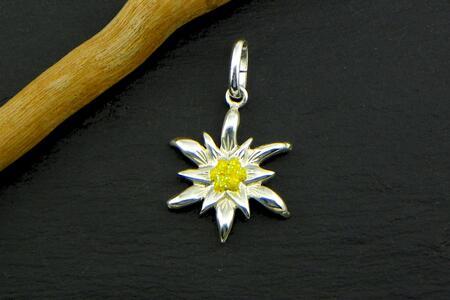 Edelweiss pendant in Silver enamel