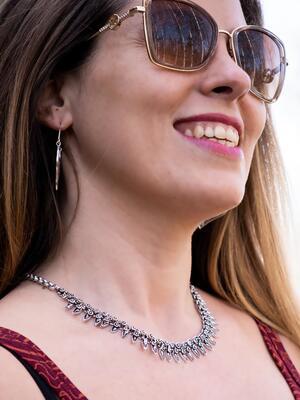 Collana donna corta in ottone etnica placcata argento