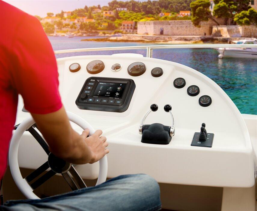 Boss Marine MGV550B - Offerta di Mondo Nautica  24