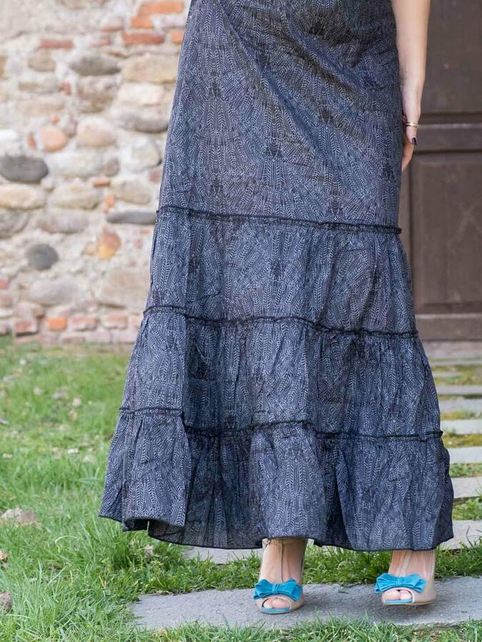 Vestido largo de mujer Ganga con volantes horizontales - gris oscuro
