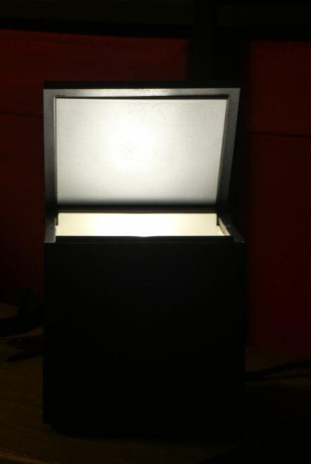 Lampada da Tavolo CUBOLUCE Wireless di Cini&Nils, Varie Finiture - Offerta di Mondo Luce 24