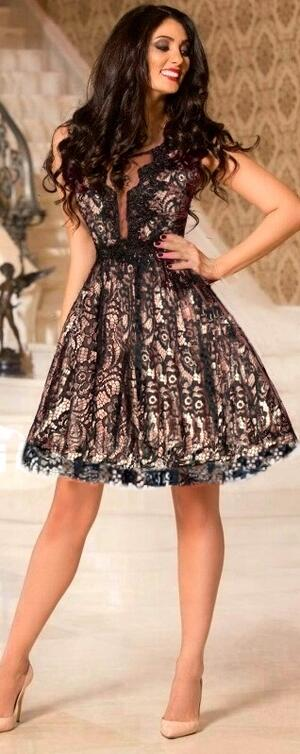 0677 MULTILAYER BABY DRESS IN MACRAME LACE LINED WITH GOLD SATIN