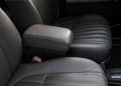 Armrest with storage for Daihatsu Trevis