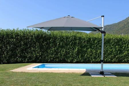 Ombrellone palo laterale da giardino LIPSIA GRIGIO SCURO 3 X 3 telo grigio GIREVOLE ONDEGGIANTE