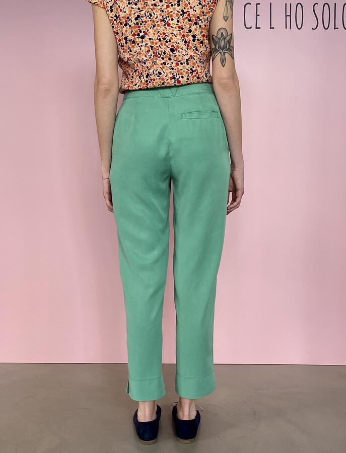 Pantaloni menta acceso